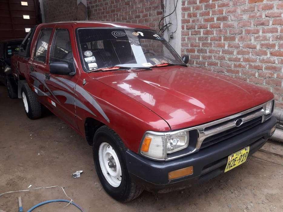 Toyota Hilux 1997 - 9999 km