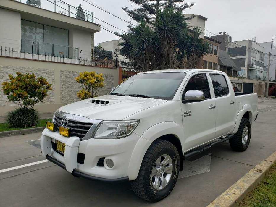 Toyota Hilux 2013 - 125000 km