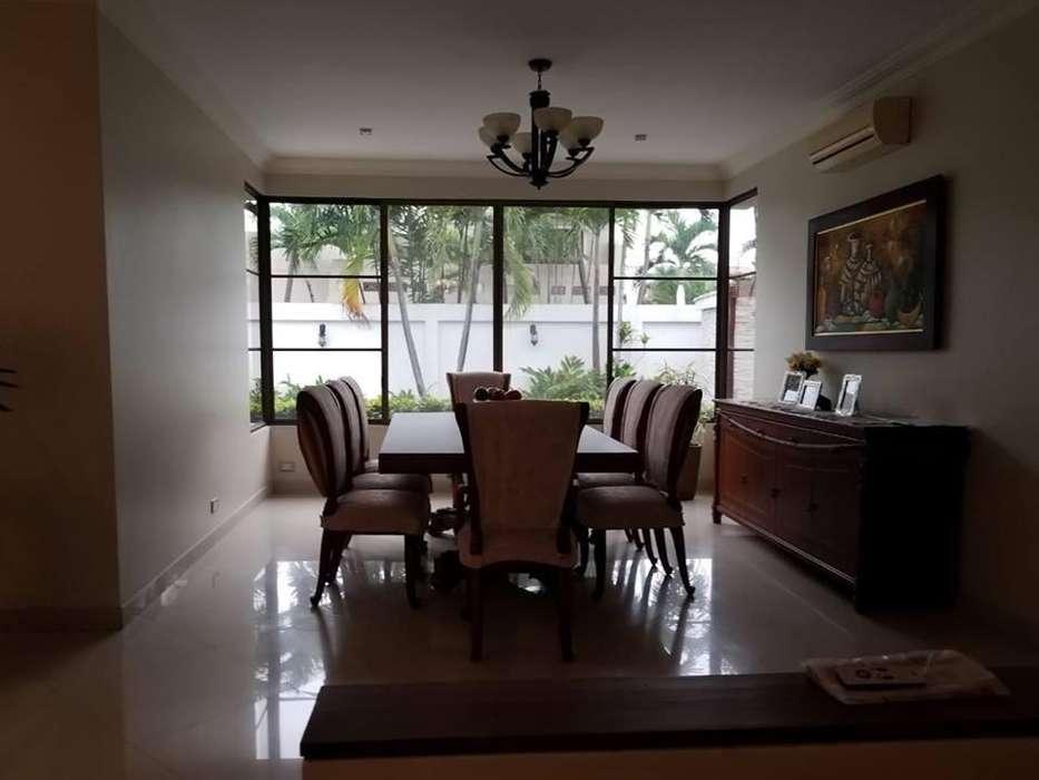 Casa en Venta, Samborondón, Km 5 ½, 478 Mts2, 2 pisos,
