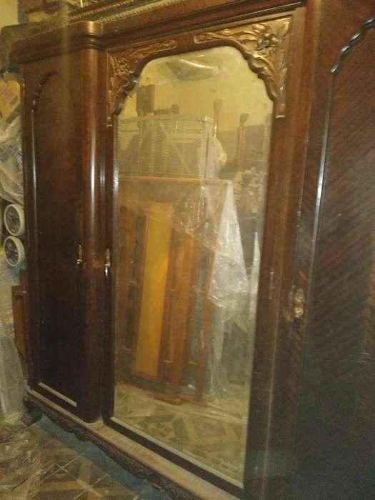 Juego de dormitorio antiguo Chipindale.
