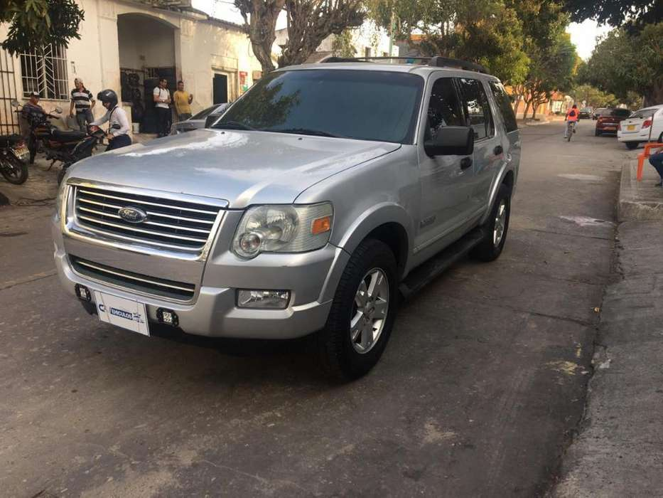 Ford Explorer 2008 - 160000 km
