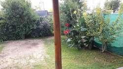 Venta casa en Villa Constitución 2 dormitorios, patio y garage.