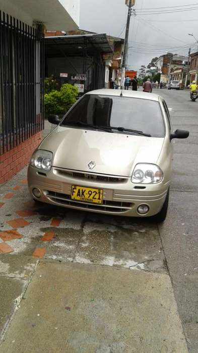 Renault Clio  2003 - 159000 km