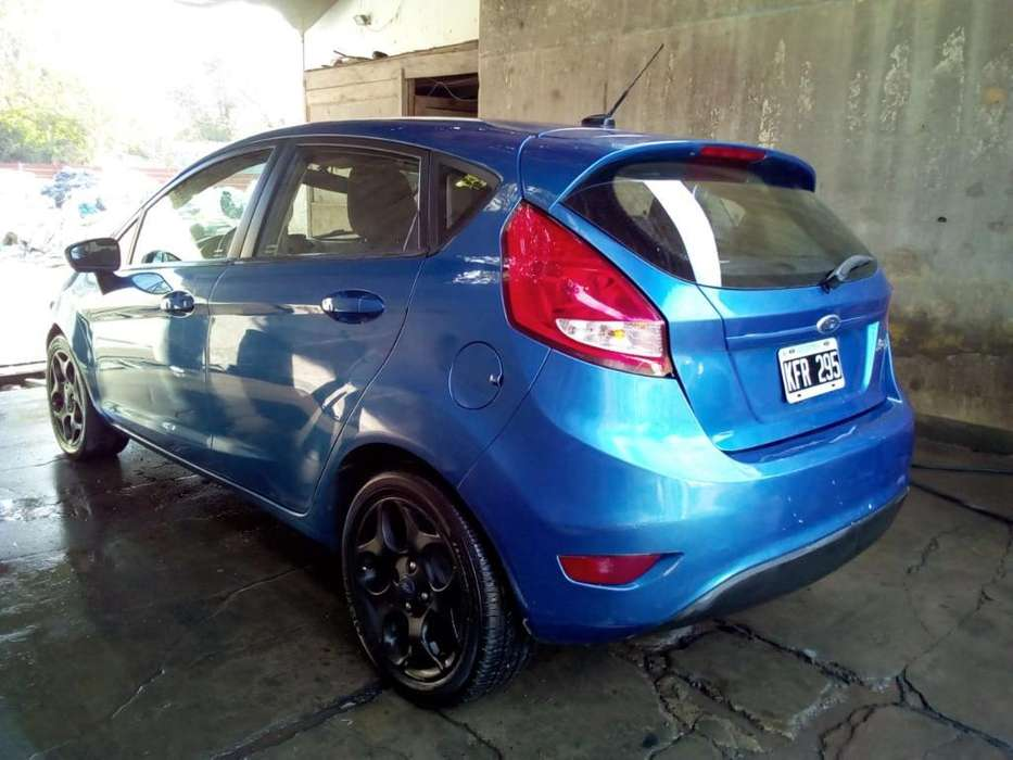 Ford Fiesta Kinetic 2012 - 100000 km
