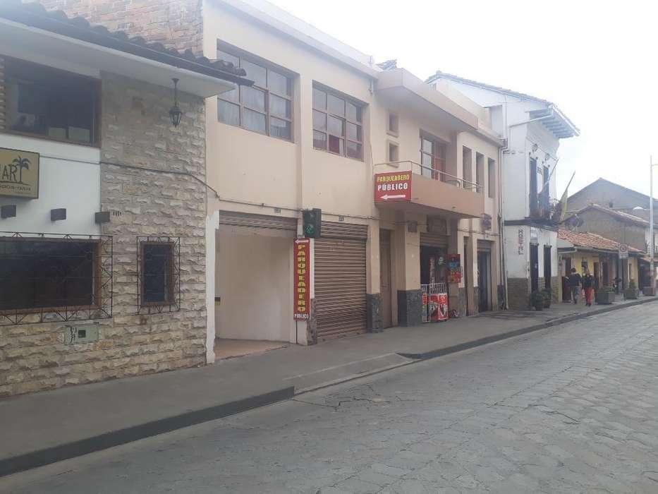 Arriendo Parqueadero en La Calle Larga