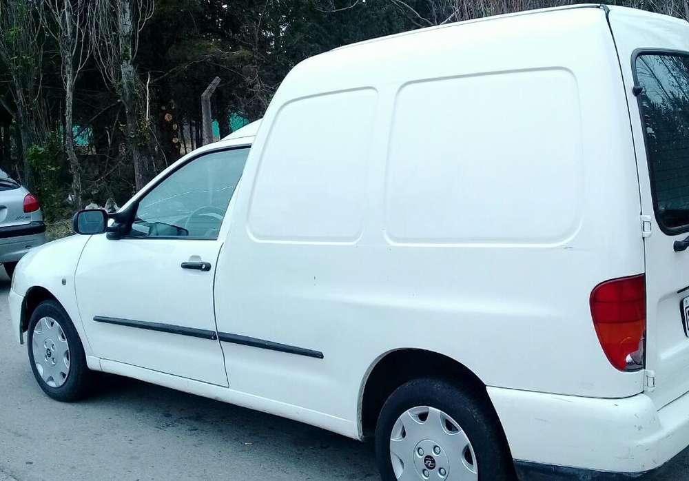 Volkswagen Caddy 2004 - 140000 km
