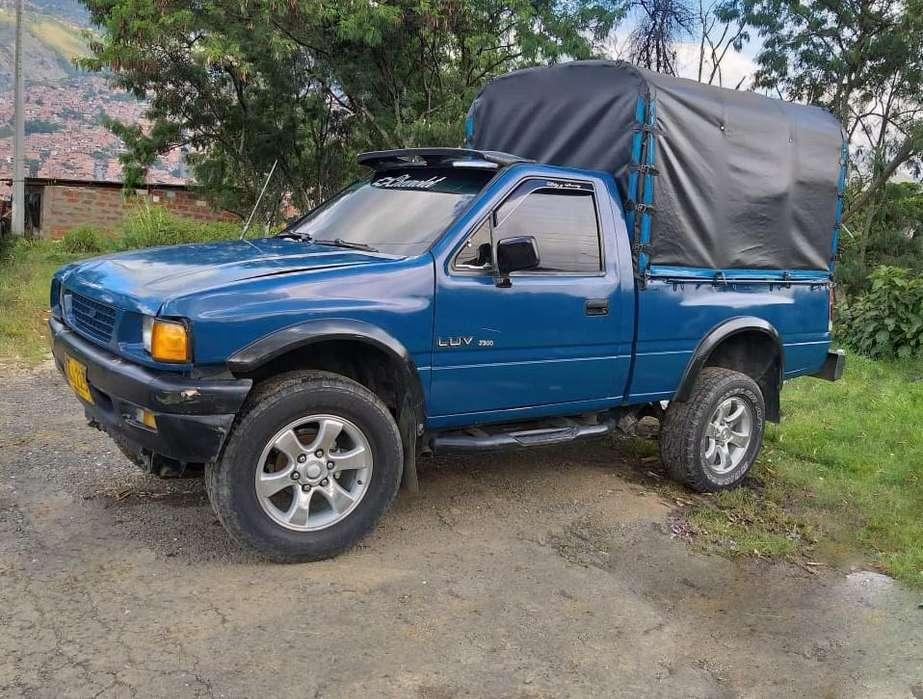 Chevrolet Luv 1989 - 100000 km