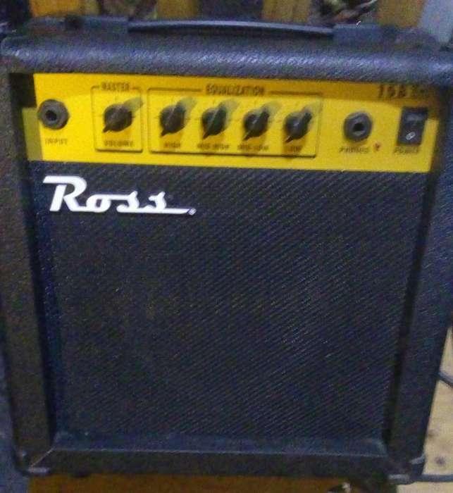 Amplificador p/ bajo marca ROSS 15 WATTS