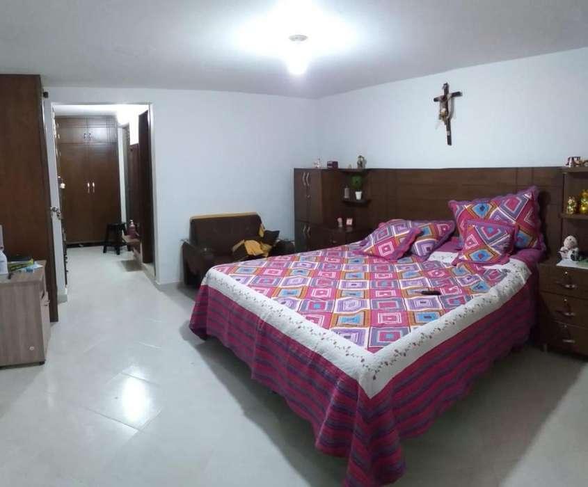 Vendo Hermosa y Enorme Casa 310m2 Primer Piso Inteior Envigado Muy Cerca Ciudadela Nasareth