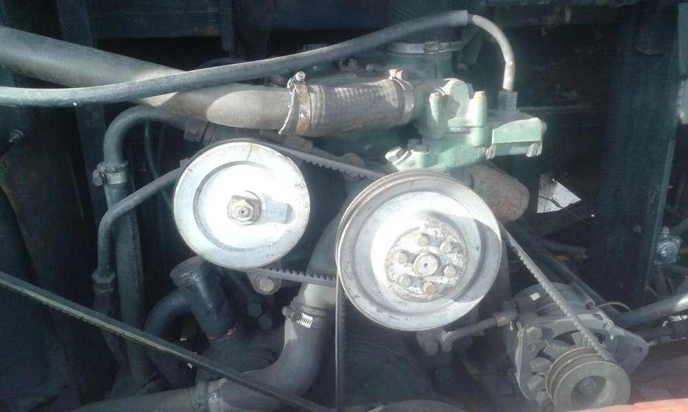 motor 1518 mercedes benz año 89 y caja cuadriculada