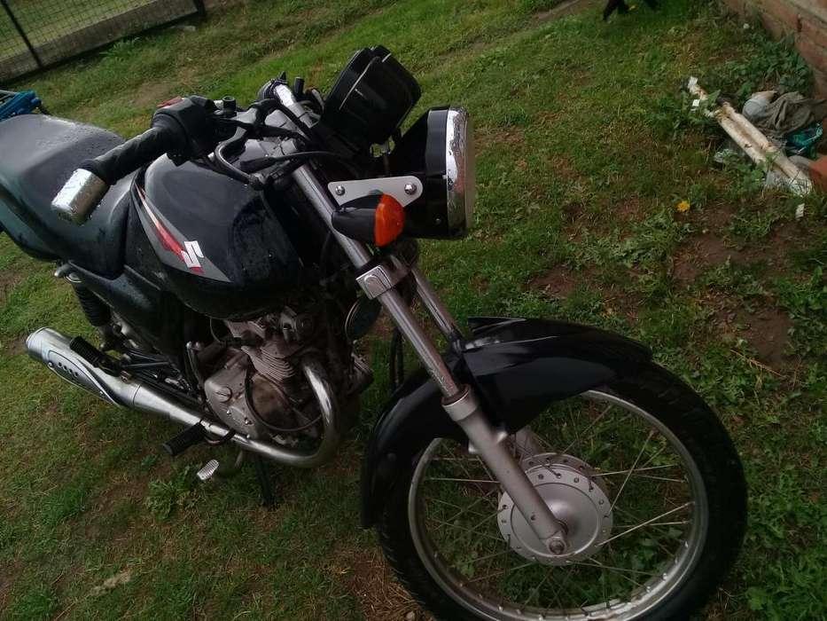 moto <strong>suzuki</strong> 125