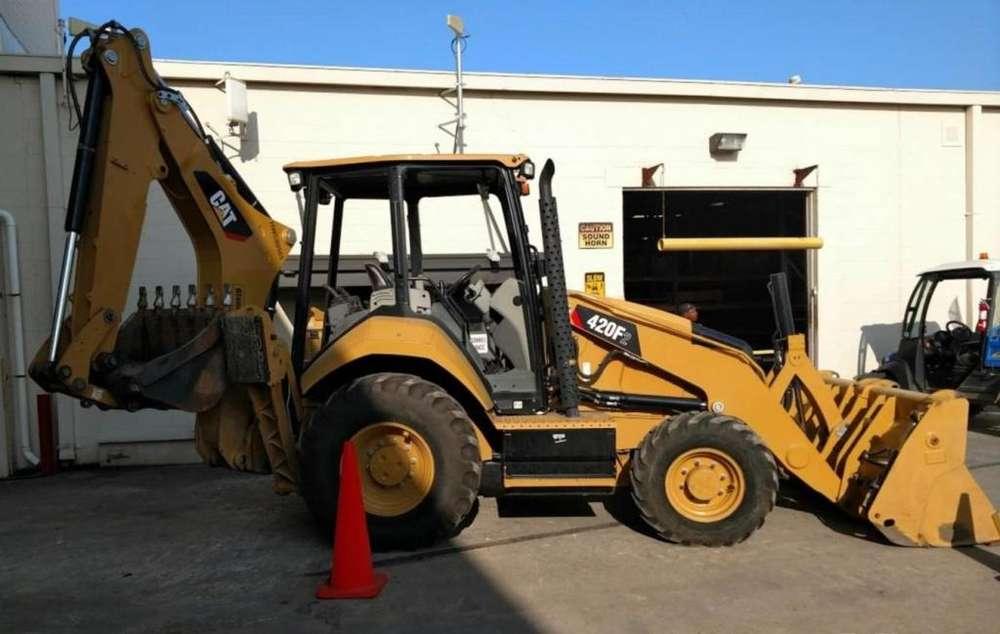 Retroexcavadora Caterpillar 420F2 tracción <strong>4x4</strong> del 2015