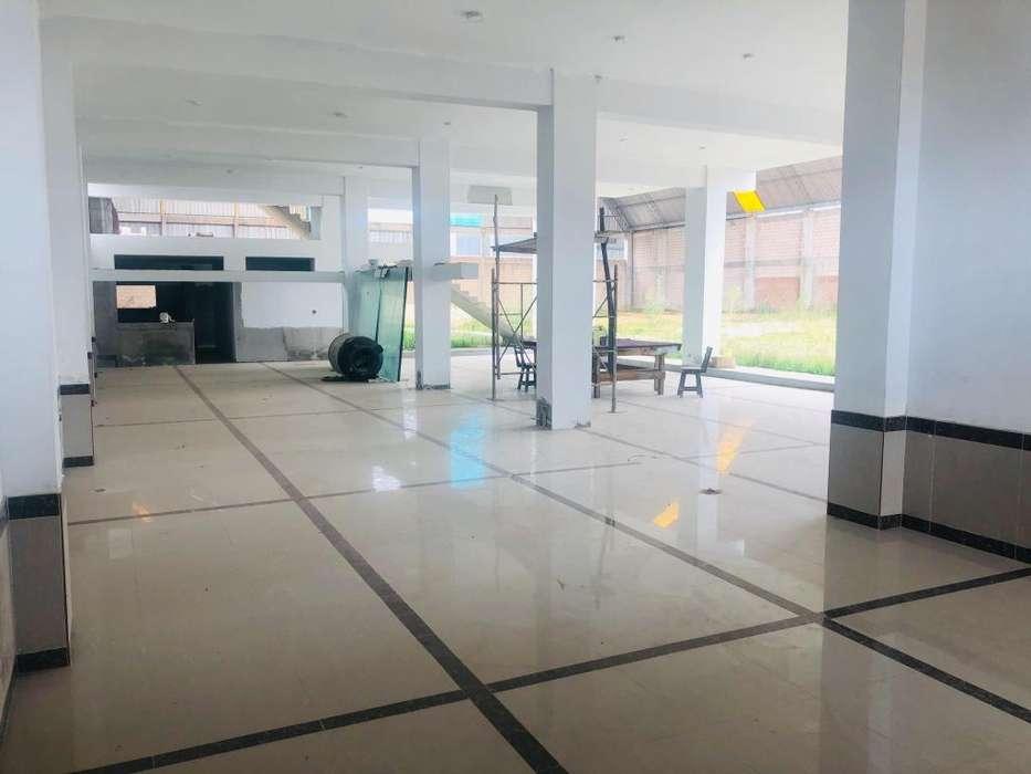 LOCAL DE 2500 m²
