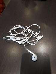 Vendo Audiculares Original D iPhone 1200