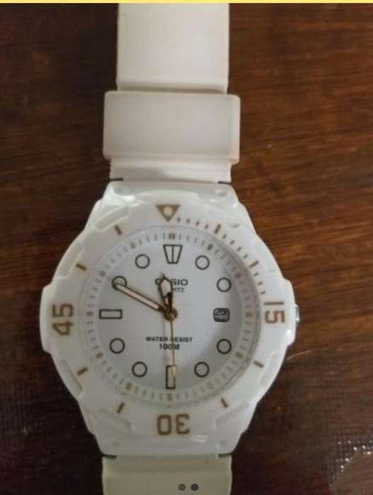 Reloj <strong>casio</strong> Original Blanco Como Nuevo