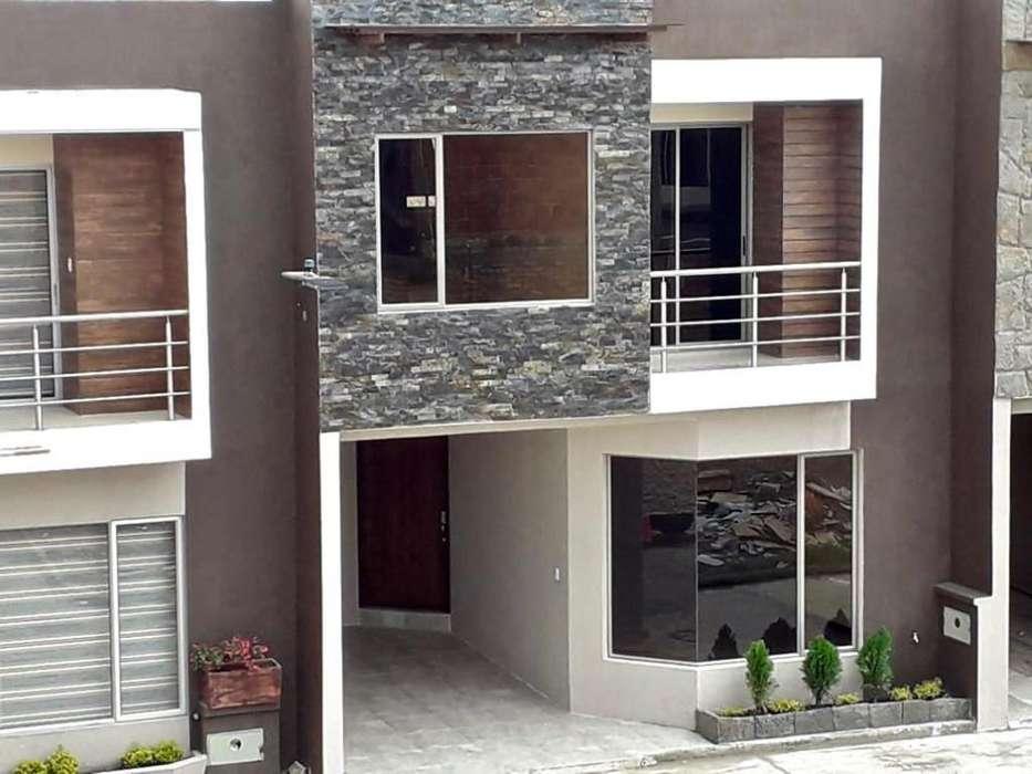 C502 Venta de hermosa casa por estrenar en Ricaurte