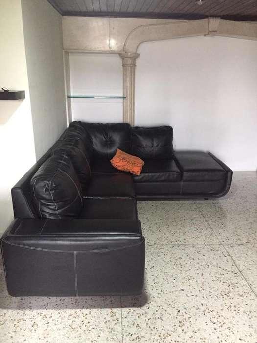 Sofa Y Mesa
