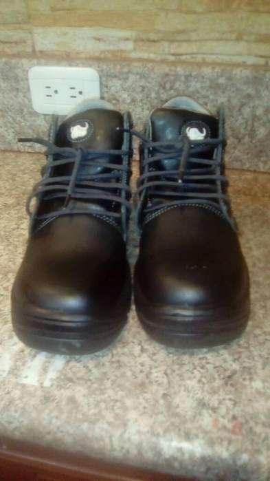 Vendo Zapatos de Seguridad Industrial