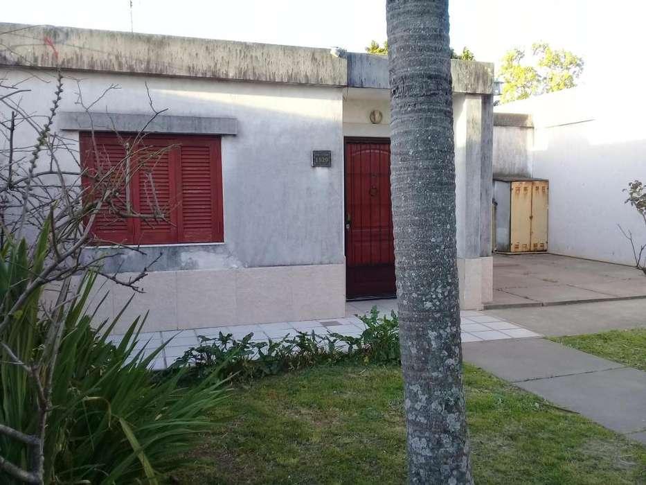 Inmobiliaria vende casa Procoro Crespo a una cuadra de Av. Zanni