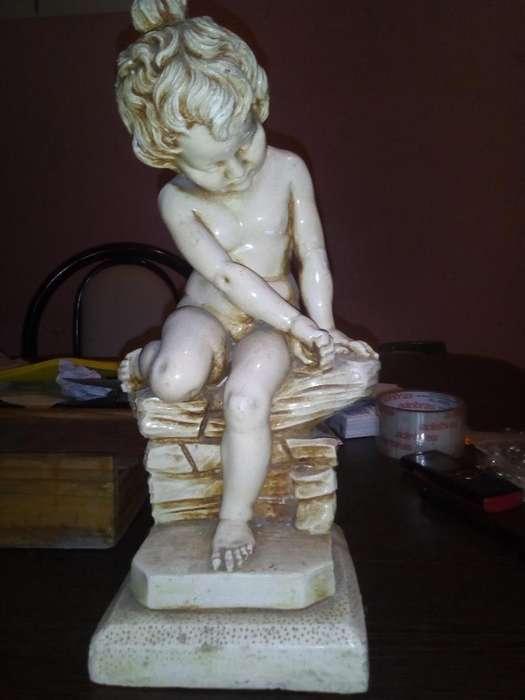 Antigua Escultura Rucci