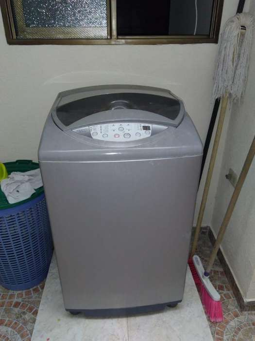 <strong>lavadora</strong> Haceb Digital de 12k