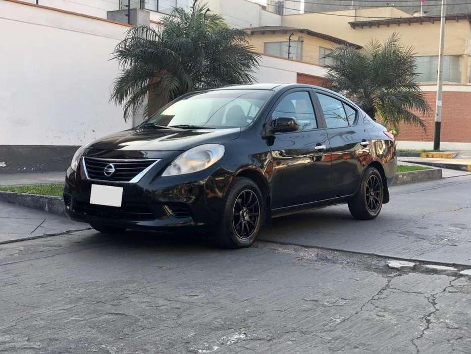 Nissan Versa 2013 - 50000 km