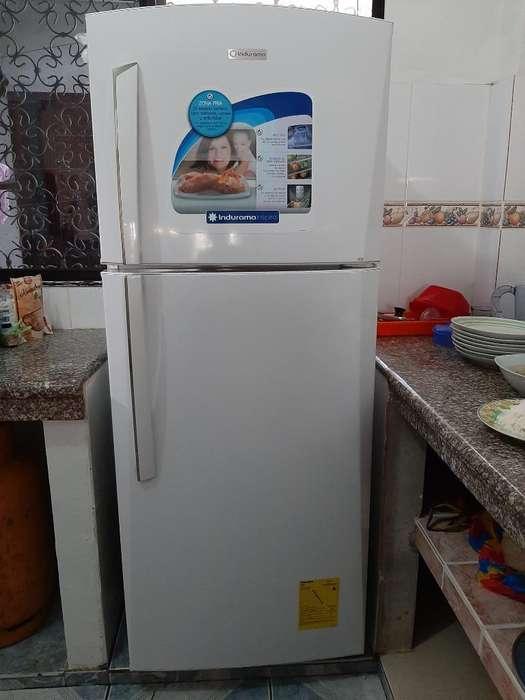 Vendo Refrigeradora Indurama
