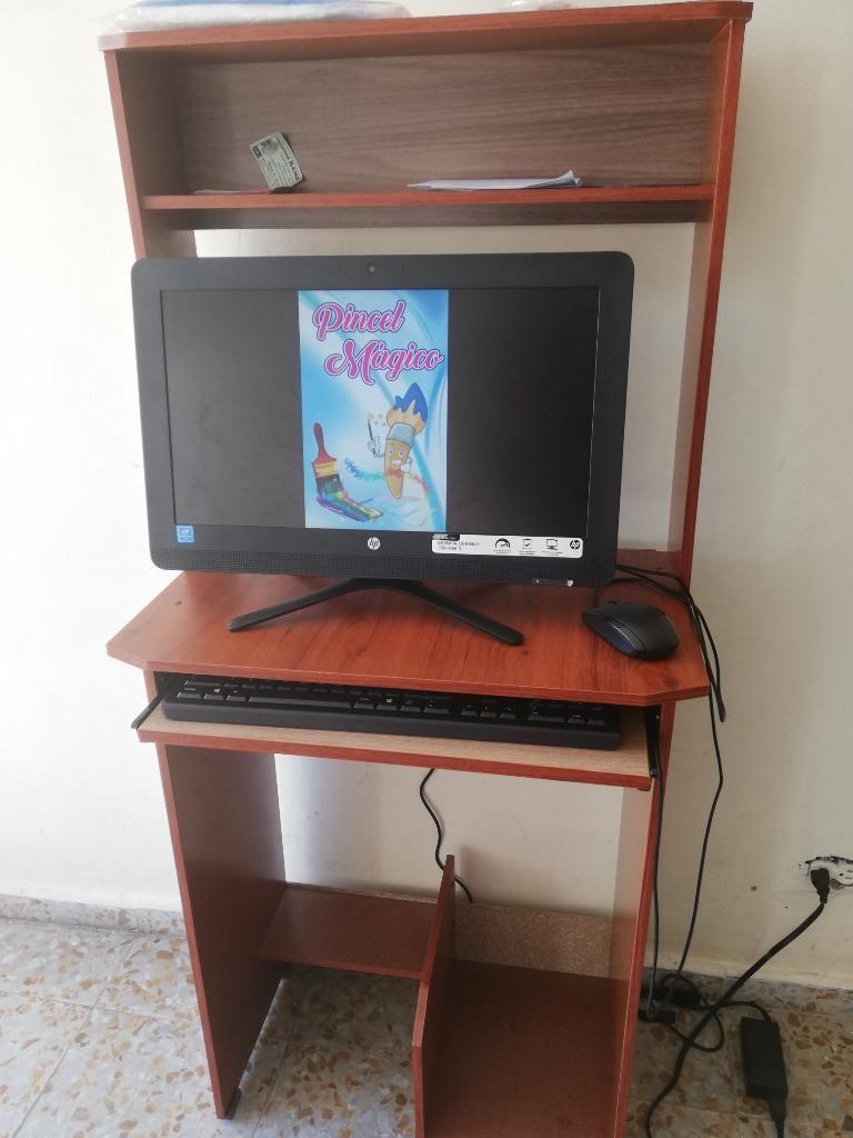 Se Vende Computador con Mueble