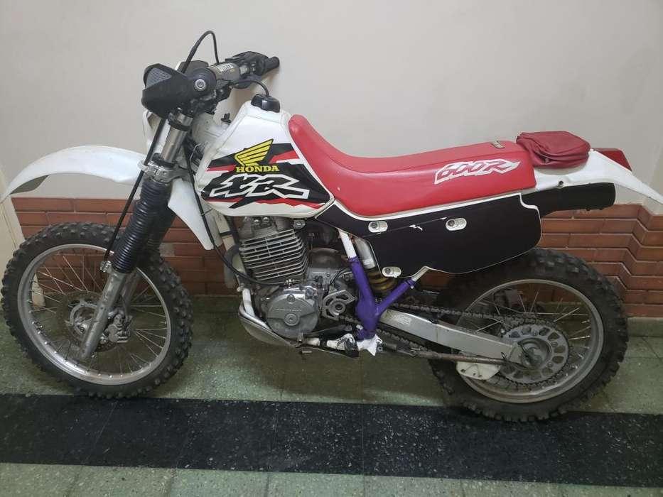 HONDA XR 600 modelo 1997