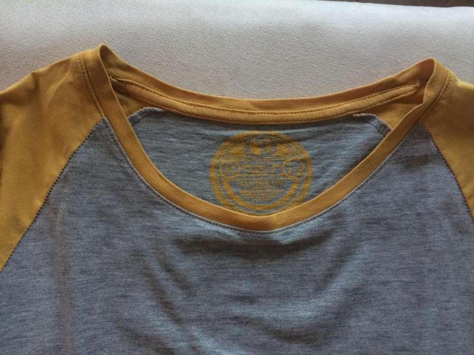 Camiseta de marca Cotton On Amarillo y Gris mangas largas (Talla Medium)