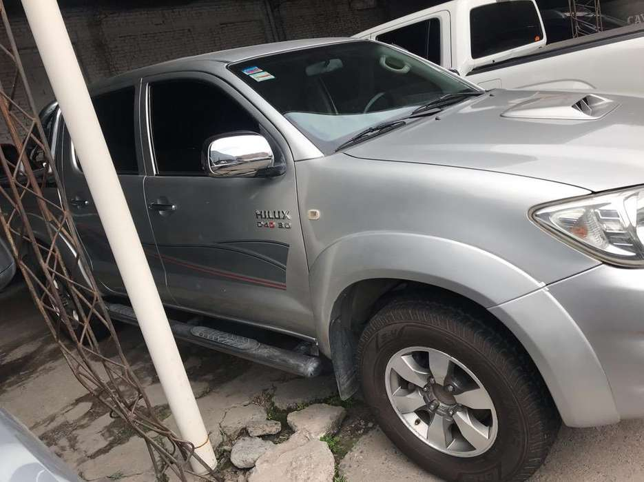 Hilux 3.0 Srv Tdi. Impecable. Financio