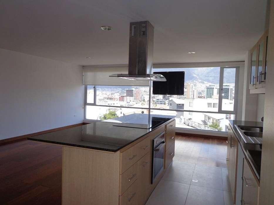 En La Floresta en Alquiler lindo Apartamento de 2 dormitorios, amplio balcón, 2 estacionamientos y linda vista