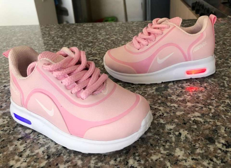 Zapatillas Tenis Nike luces niñas tallas 21 al 33