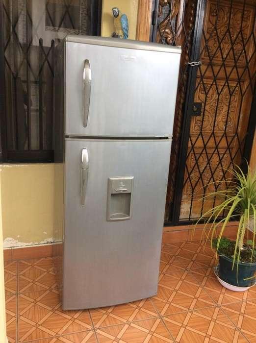 Vendo Una Refrigeradora