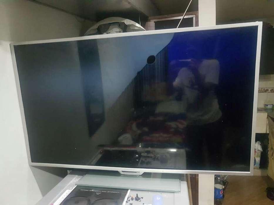 Vendo Tv Hyundai de 50 Pulgdisplay Malo