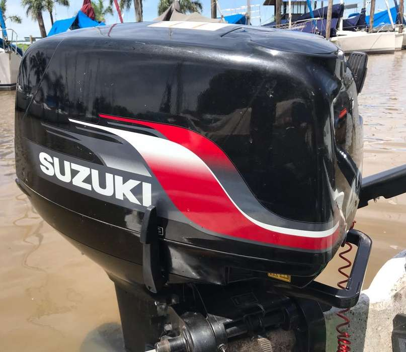 Suzuki 40 Impecable.