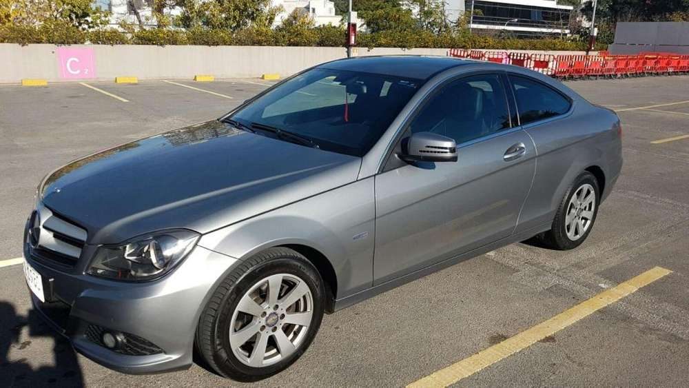 Mercedes-Benz C 180 2012 - 75000 km