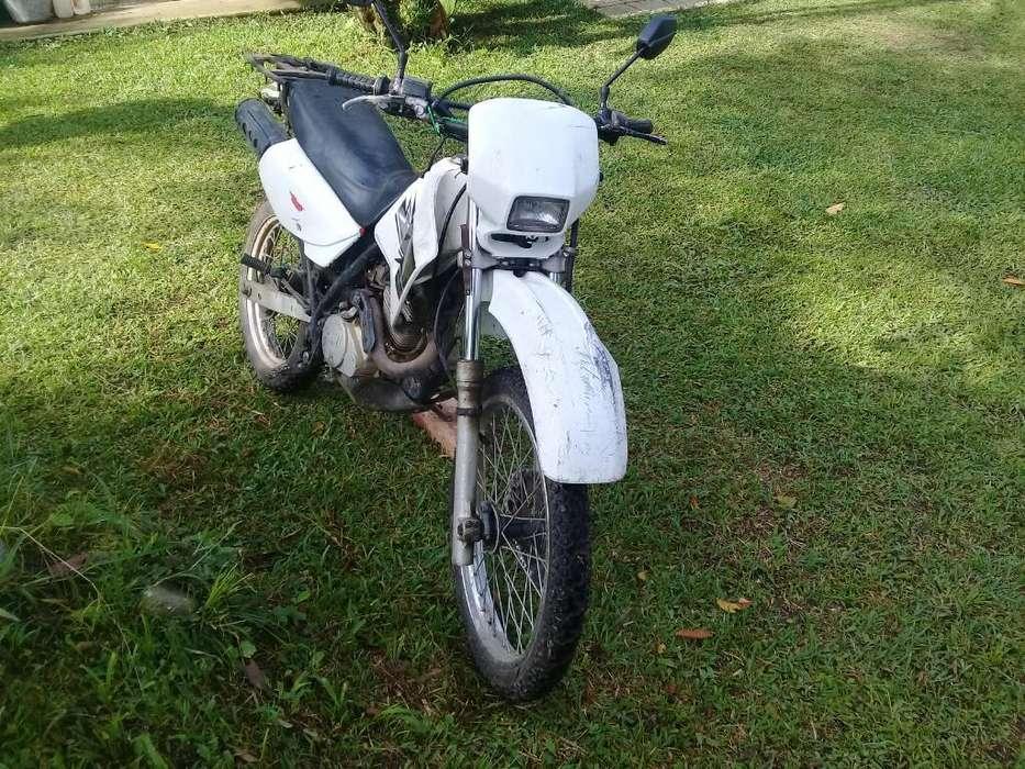 Moto Honda Xl200
