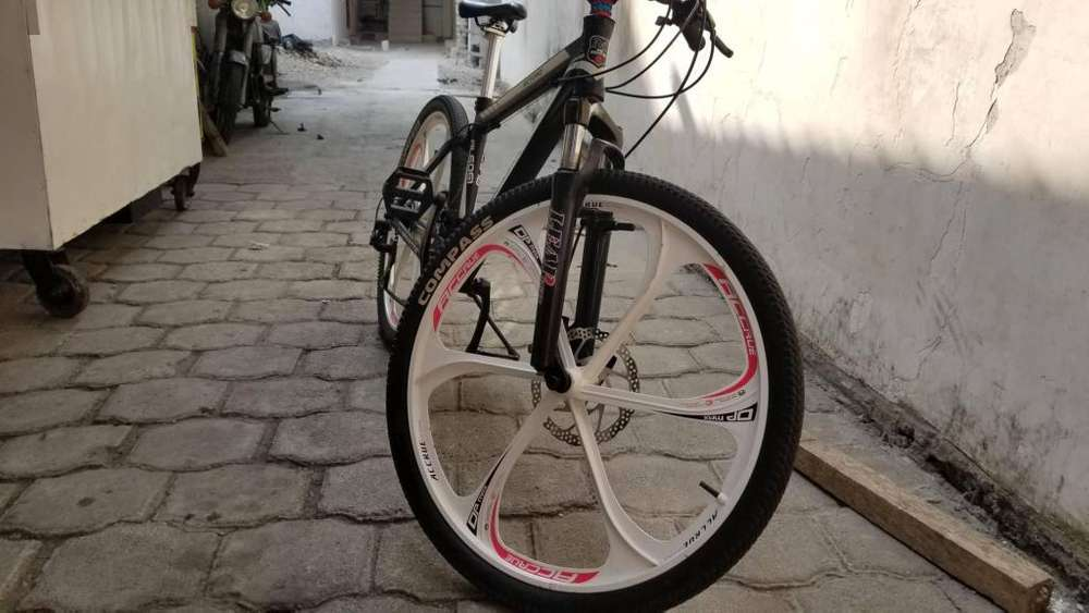 Bicicleta speeed monter (todos sus partes shimano)