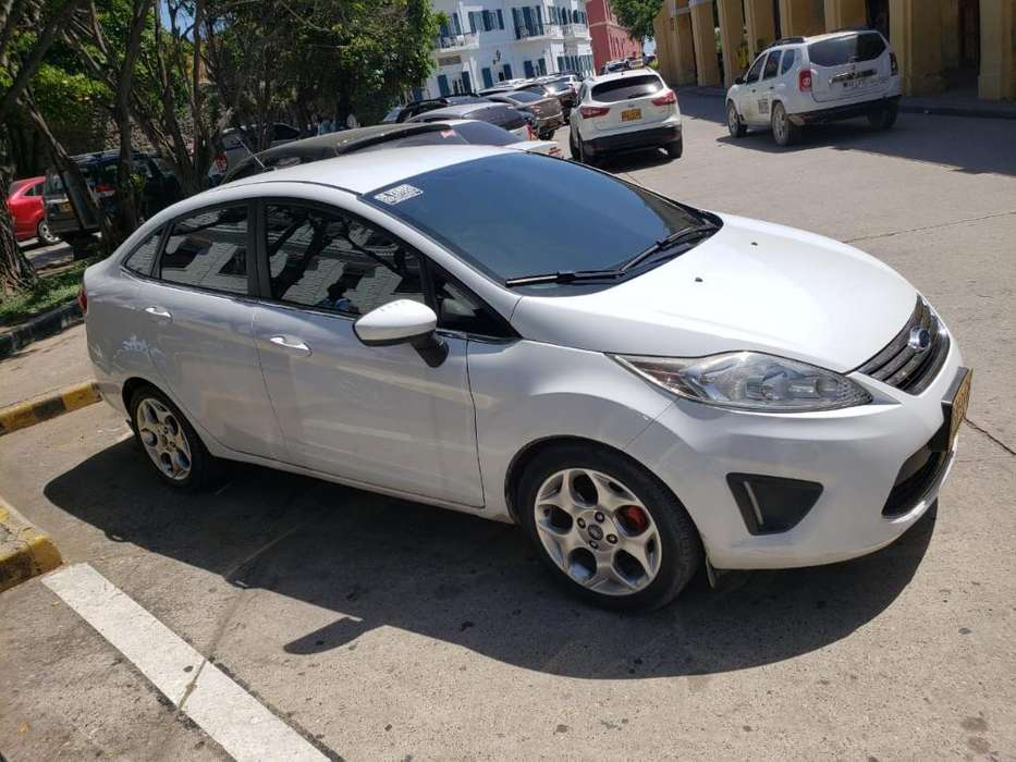 <strong>ford</strong> Fiesta  2012 - 50800 km