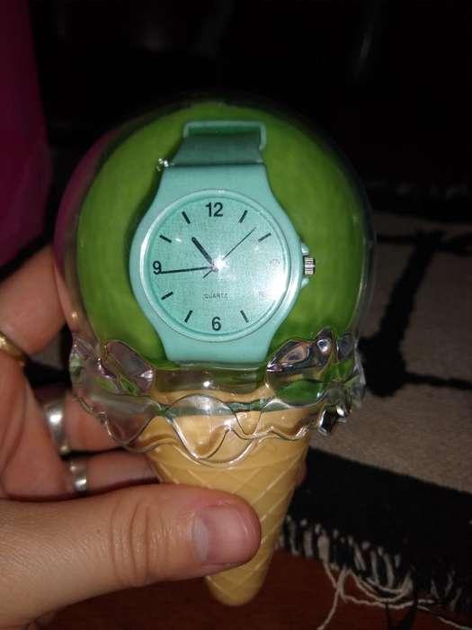 Reloj Avon