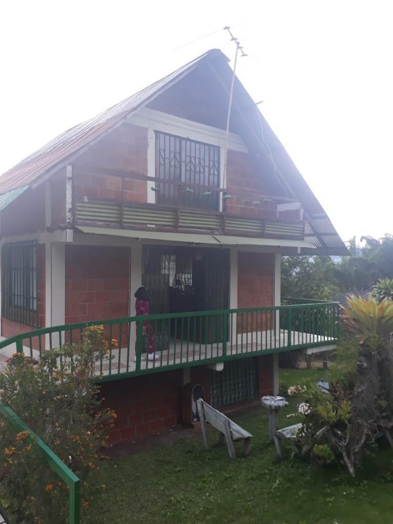 Se Vende Lindo Chalet en Jiguales, Pavas