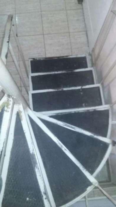 Vendo Escalera Caracol