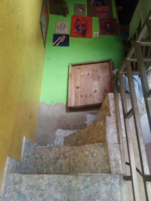 Se vende CASA EN MADRID CUNDINAMARCA. 2 PISOS. CITA PREVIA. Jhonny Torres. Cel. 3112175503 3118147192