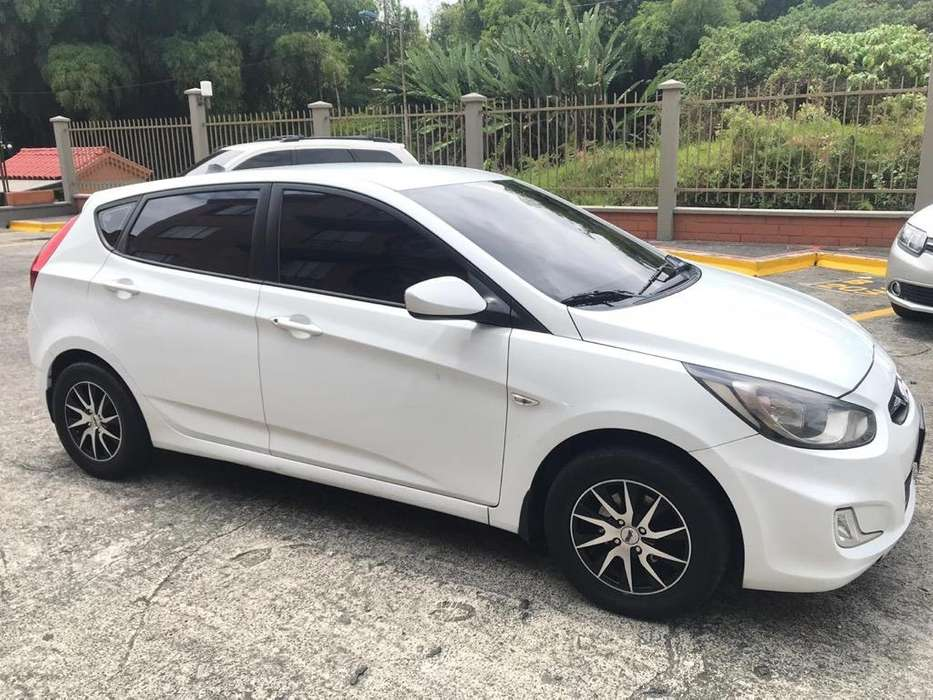 Hyundai Accent 2012 - 95000 km
