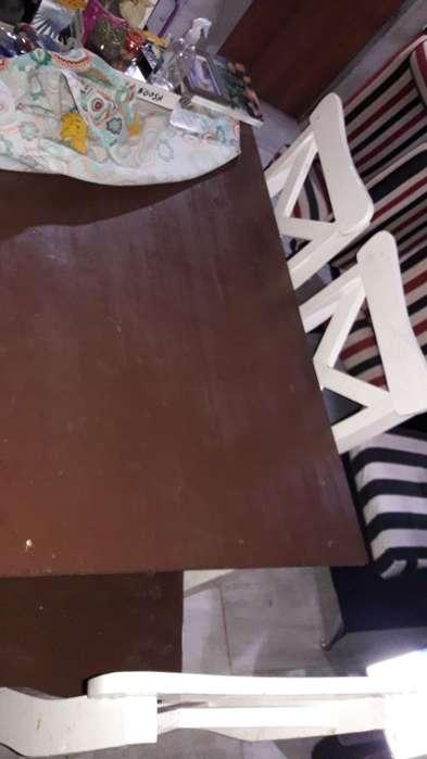 Vendo Mesa con 6 Sillas de Pino