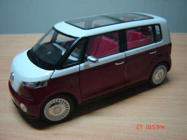 Vendo VW Bulli escala 1/18