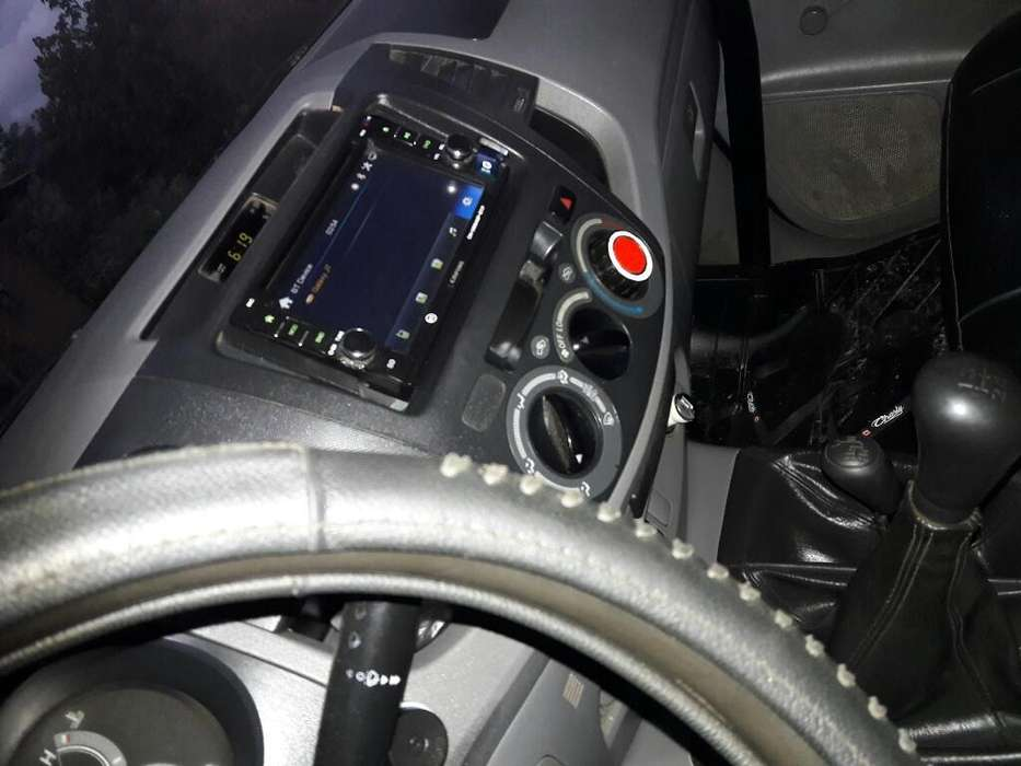 Toyota Hilux 2009 - 243100 km