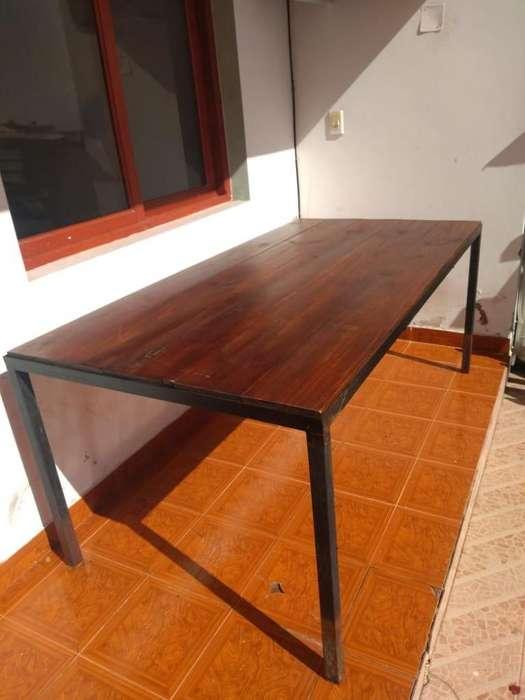 Mesa de hierro y madera de pino 1 x 2 mts