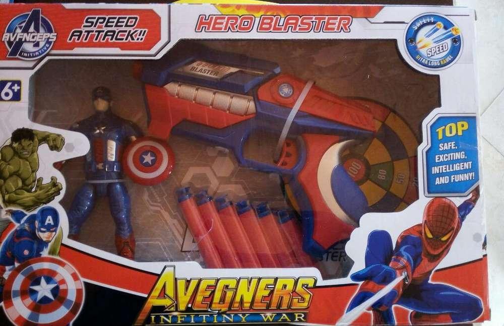 Lanza Dardos con Super Heroe